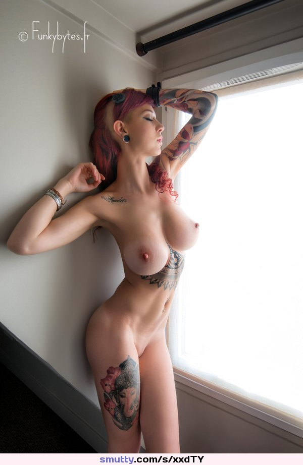 #hotbody #tattoed #tits #boobs #beautiful #emo #window #armsup #armpit #tattoo #photography #redhead #beauty #erotic #pointytits #tightbody
