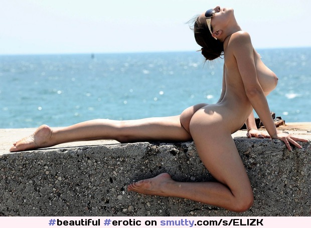 #beautiful #erotic #nudist #publicnudity #brunette #sexybody #pose