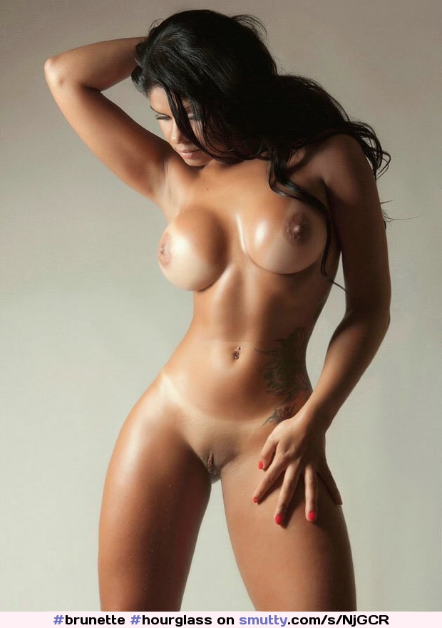 Attractive Exotic Nude Wallpaper Pictures