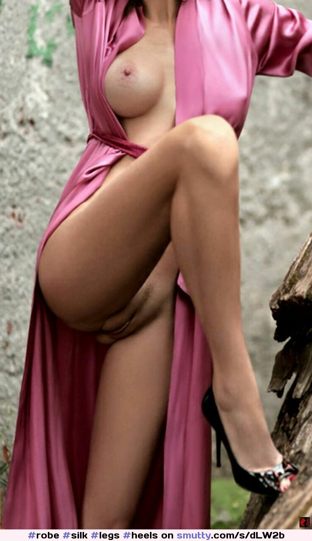 Nude mom open robe
