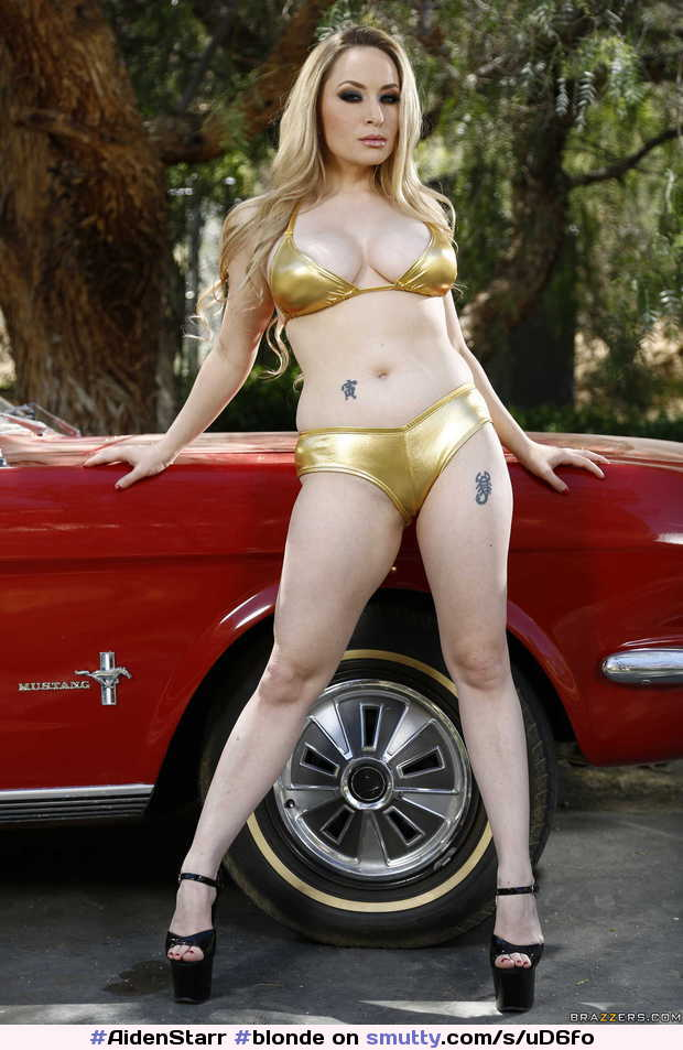 #AidenStarr #blonde #babe #milf #busty #cleavage #curvy #nicebody #nn #bikini #golden #pale #legs #heels #outdoor #summer #goddess #hot
