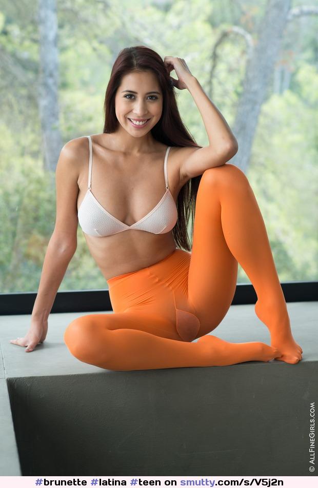 latina feet video