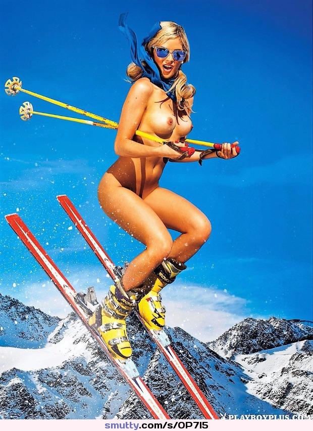 Women nude skiing
