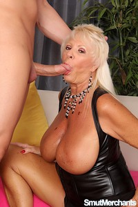 blonde Oma Blowjob