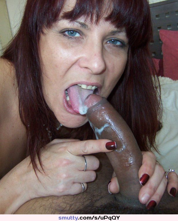 Mature slut blow job
