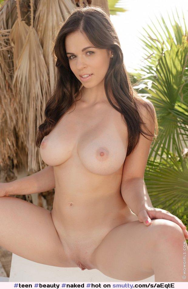 bikini models fully naked