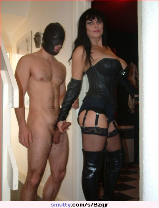 #cfnm#dominatrix#leather#hood#submissive#nudem