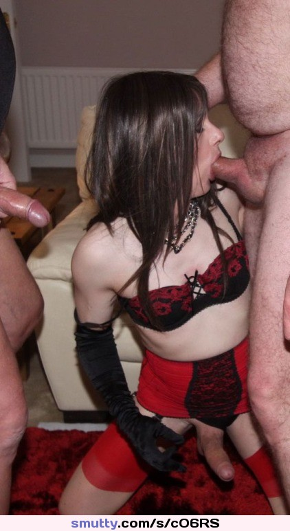 SEXY TEEN CROSSDRESSER BLOWJOB