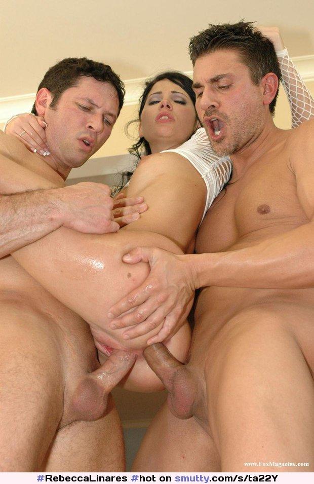 остроумный веселый замужнюю женщину имеют в два ствола взгляд санки