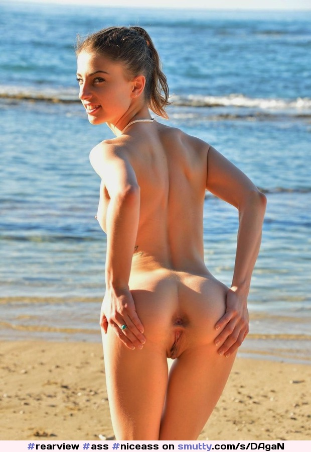 #rearview #ass #niceass #butt #shaved #spreadass #spreadingass #spreading #nicebody #hotbody #beach #beachgirl #public #publicnudity #hottie