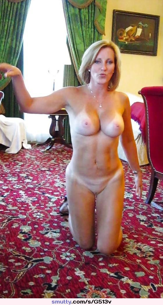 Attractive Nude Fit Mature Photos
