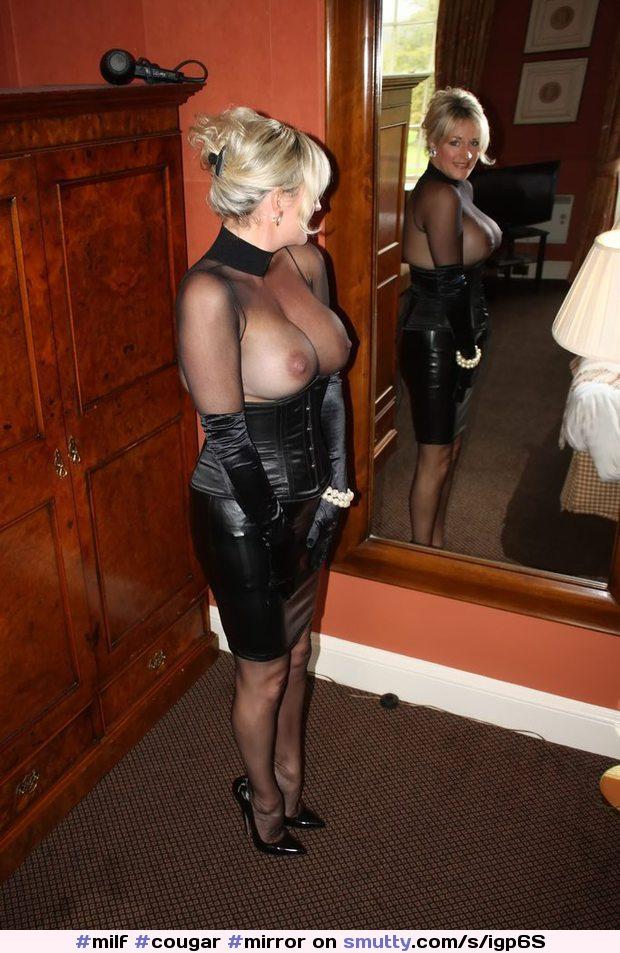 Blonde Milf In Leder