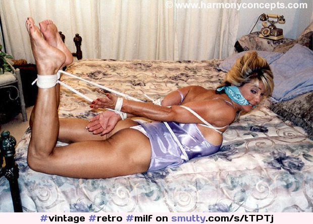 47yr cougar tied up and fucking 3