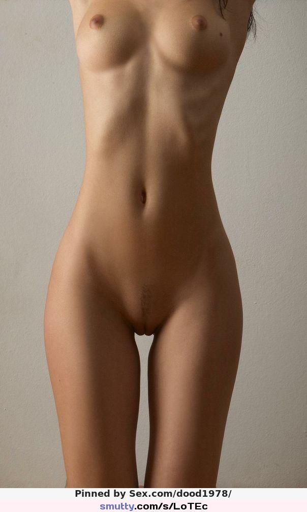 sania-mirza-nude-smooth-skinny-girls-holding