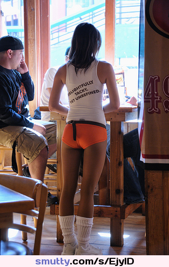 #HootersGirls