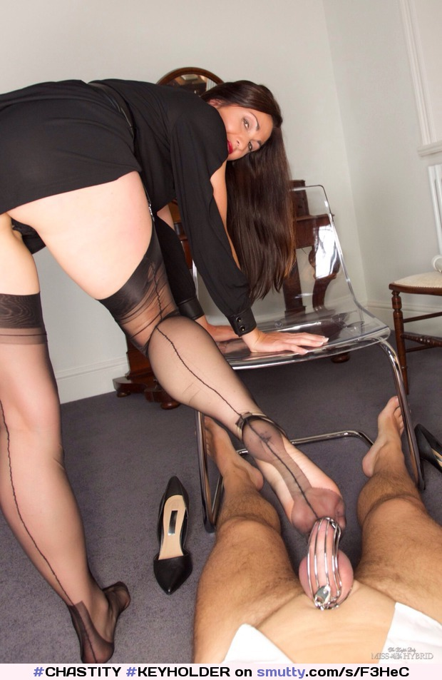 When the secretary owns  the key #CHASTITY#KEYHOLDER#cage#cockcage#legs#feet#pantyhose#femdom#fetish#secretary#wife#TeaseandDenial